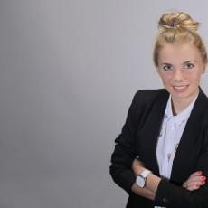 Adrianna Dymecka ŚWIAT POLIGLOTÓW Centrum Języków Obcych